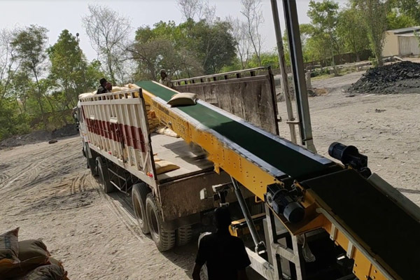 Truck Loading Conveyor 40 Tons Vehicle in 40 Mins by 5 labor - MMC TL 16P-DC T1S - Auto