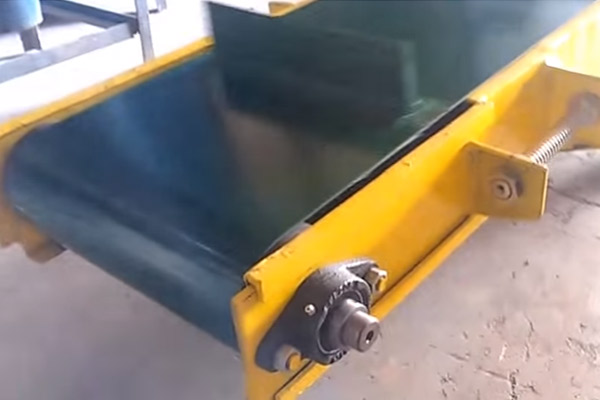 Pouch Packing Machine Conveyor Trial